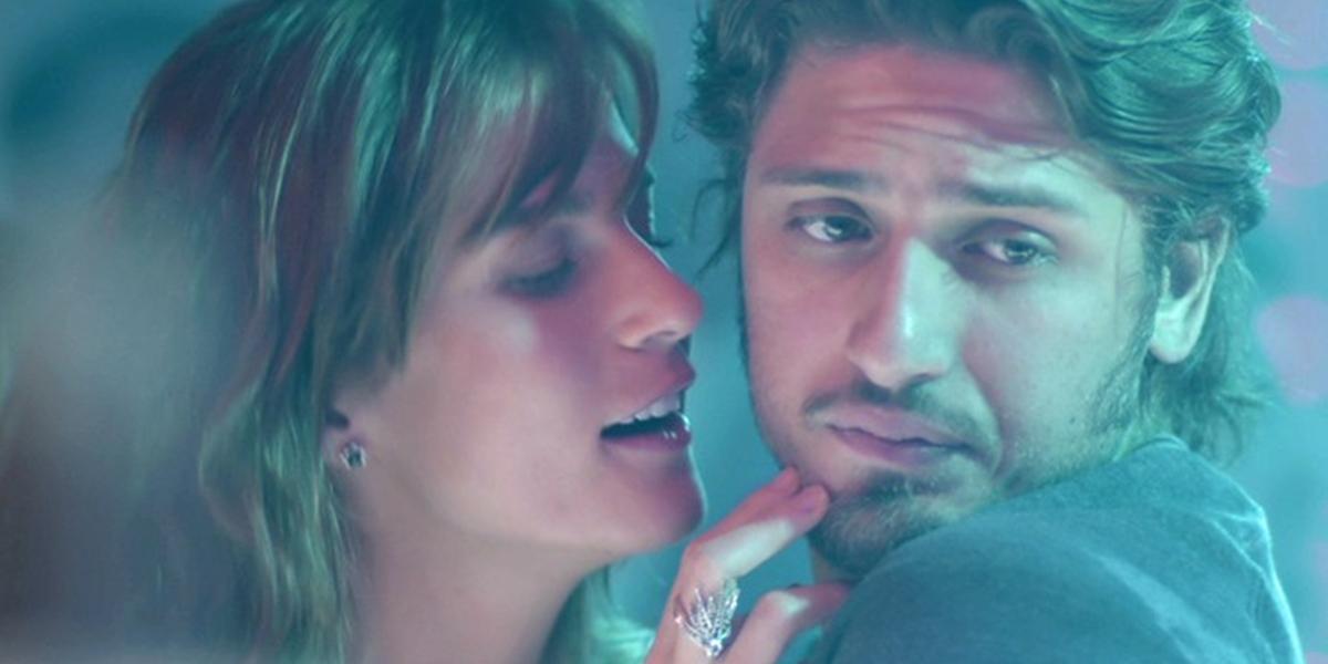Rafael (Daniel Rocha) rejeita Sofia (Priscila Steinman) em Totalmente Demais (Foto: Reprodução/Globo)