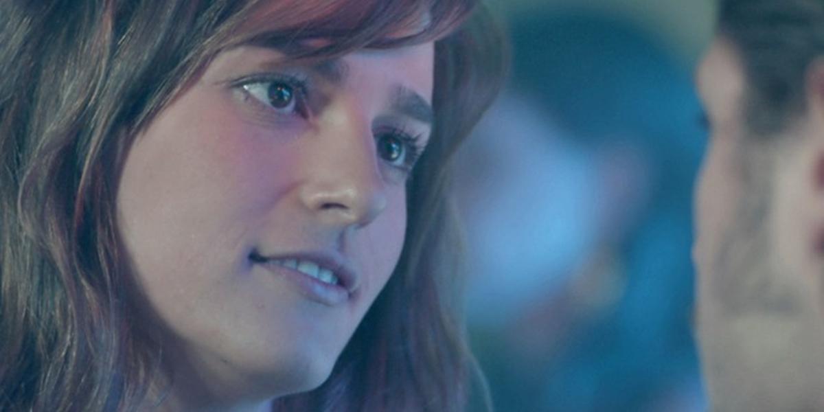 Sofia (Priscila Steinman) provoca o ex em Totalmente Demais (Foto: Reprodução/Globo)