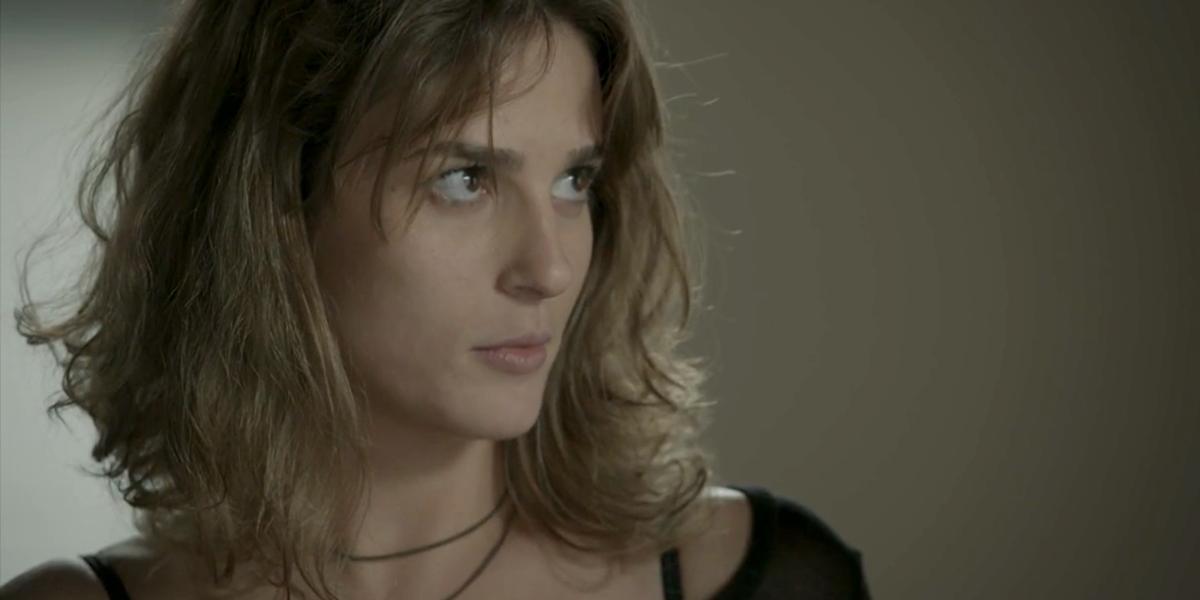 Sofia (Priscila Steinman) é desmascarada em Totalmente Demais (Foto: Reprodução/Globo)