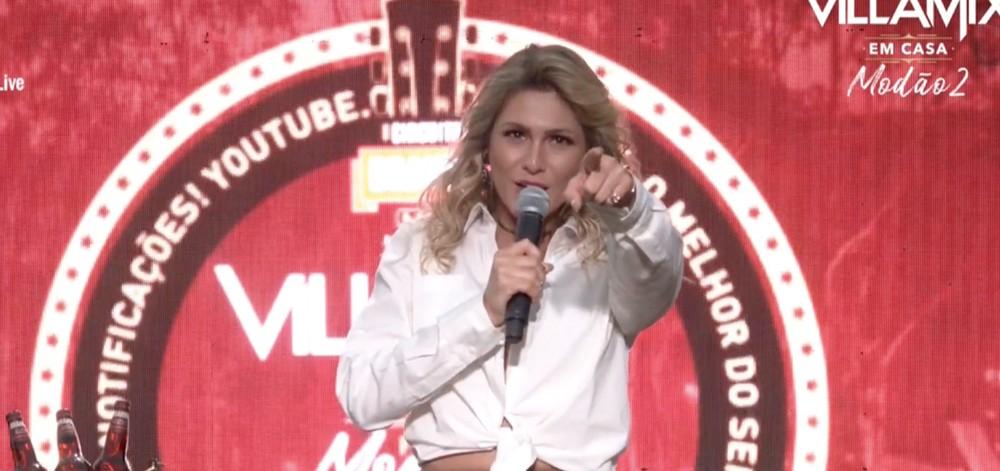 A apresentadora Lívia Andrade durante o VillaMix (Foto: Divulgação)