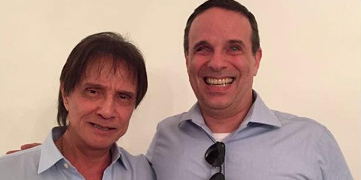 Dudu Braga ao lado do pai, Roberto Carlos (Foto: Reprodução)