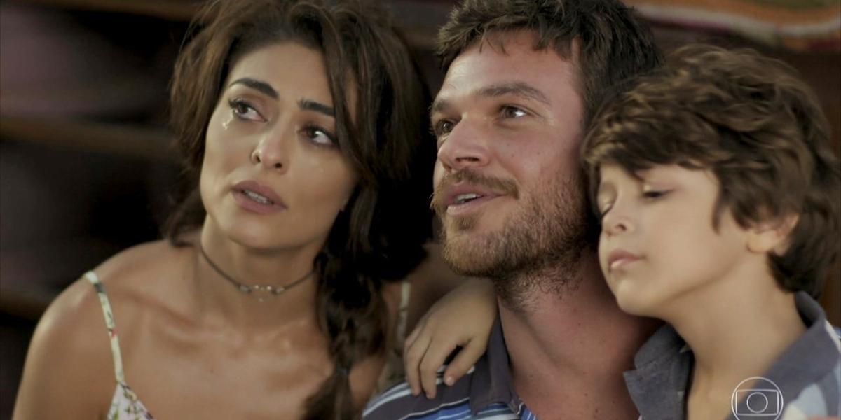 Juliana Paes (Bibi), Emílio Dantas (Rubinho) e João Bravo (Dedé) em A Força do Querer; reprise tem baixa audiência (Foto: Reprodução/Globo)