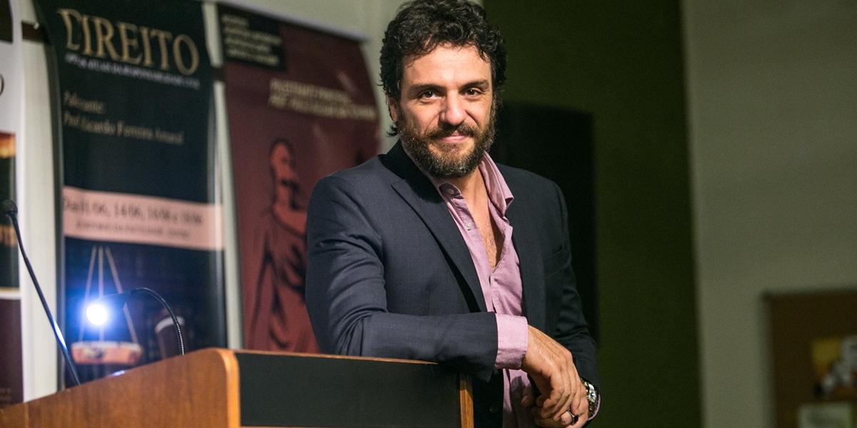 Caio (Rodrigo Lombardi) em A Força do Querer (Foto: Globo/Raquel Cunha)