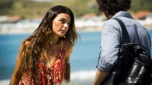 Ritinha (Isis Valverde) revela a Ruy (Fiuk) que está grávida em A Força do Querer (Foto: Globo/João Miguel Júnior)