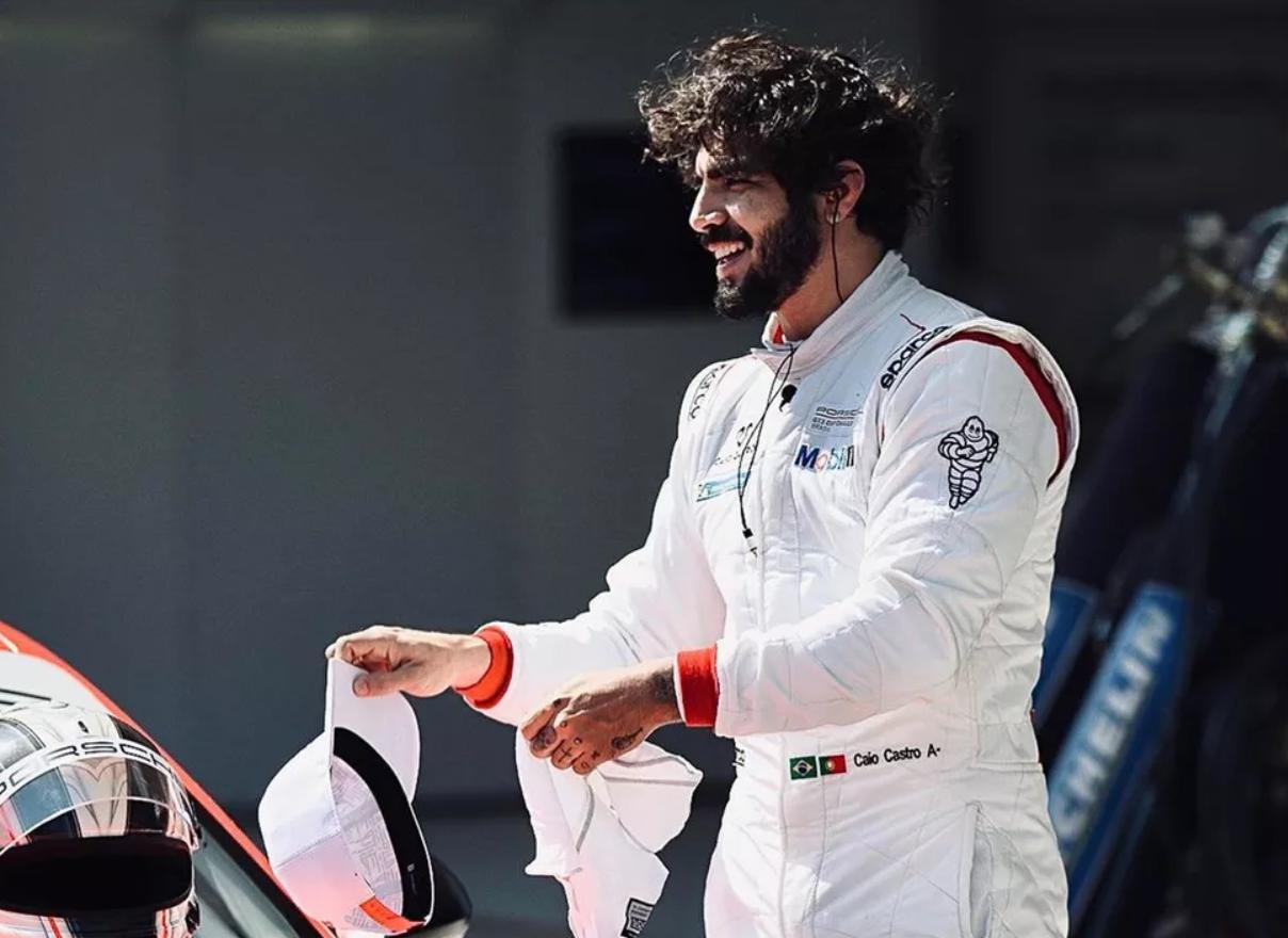 Caio Castro vive experiência no automobilismo - Foto: Reprodução