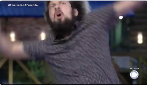 Cartolouco foi o primeiro a vencer em A Fazenda da Record TV (Foto: Reprodução)