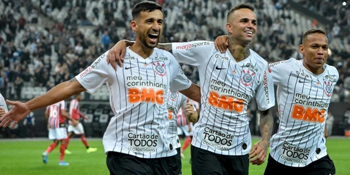 Atletas do Corinthians durante jogo; time paulista será arma da Globo para barrar Libertadores no SBT (Foto: Divulgação)