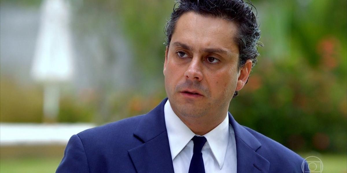 Baltazar (Alexandre Nero) em cena de Fina Estampa (Foto: Reprodução/Globo)