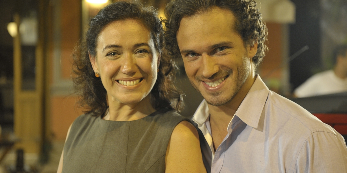 Griselda (Lilia Cabral) e Guaracy (Paulo Rocha) em Fina Estampa; os dois ficam juntos no final da novela (Foto: Globo/Renato Rocha Miranda)