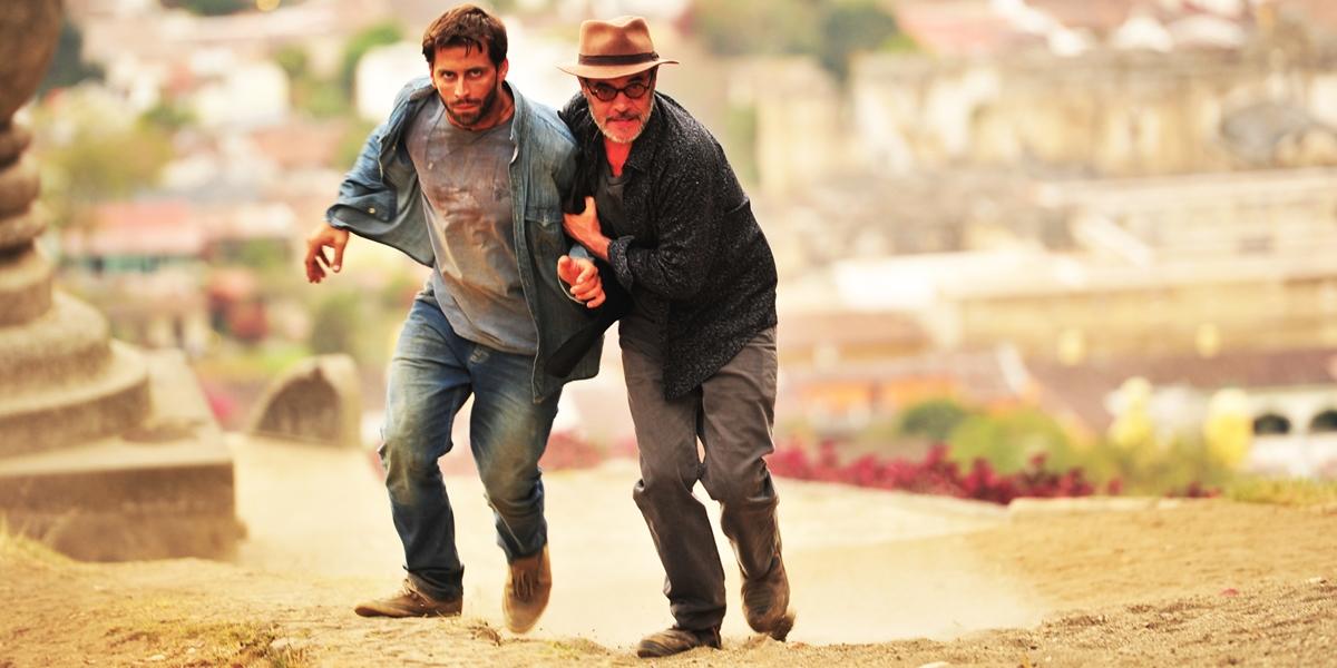 Cassiano (Henri Castelli) e Duque (Jean Pierre)rumo à Vila dos Ventos em Flor do Caribe (Foto: Globo/João Miguel Júnior)
