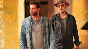 Cassiano (Henri Castelli) e Duque (Jean Pierre) têm recomeço em Flor do Caribe (Foto: Globo/João Miguel Júnior)