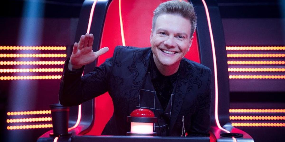 Michel Teló integra o time de técnicos do The Voice Brasil (Foto: Reprodução/Globo)