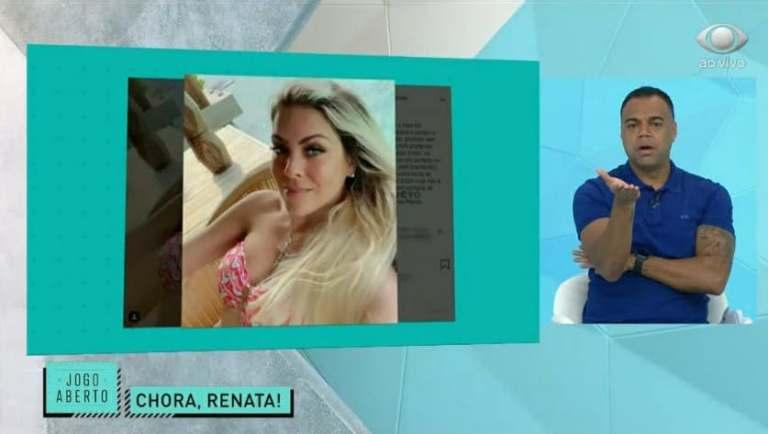Denílson comentou foto de Renata Fan de biquíni ao vivo na Band (Reprodução)