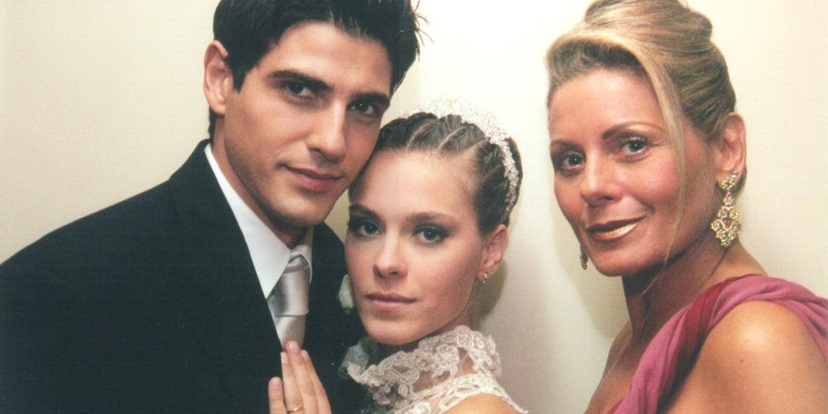 Reynaldo Gianecchini (Edu), Carolina Dieckmann (Camila) e Vera Fischer (Helena) em Laços de Família (Foto: Globo/Roberto Steinberger)