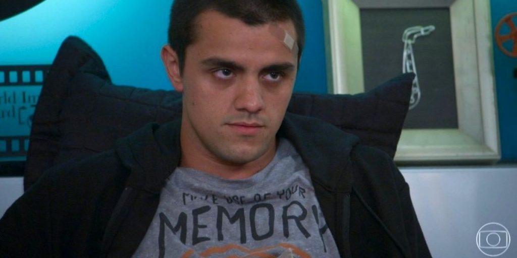Felipe Simas é o intérprete de Téo na novela Salve-se Quem Puder