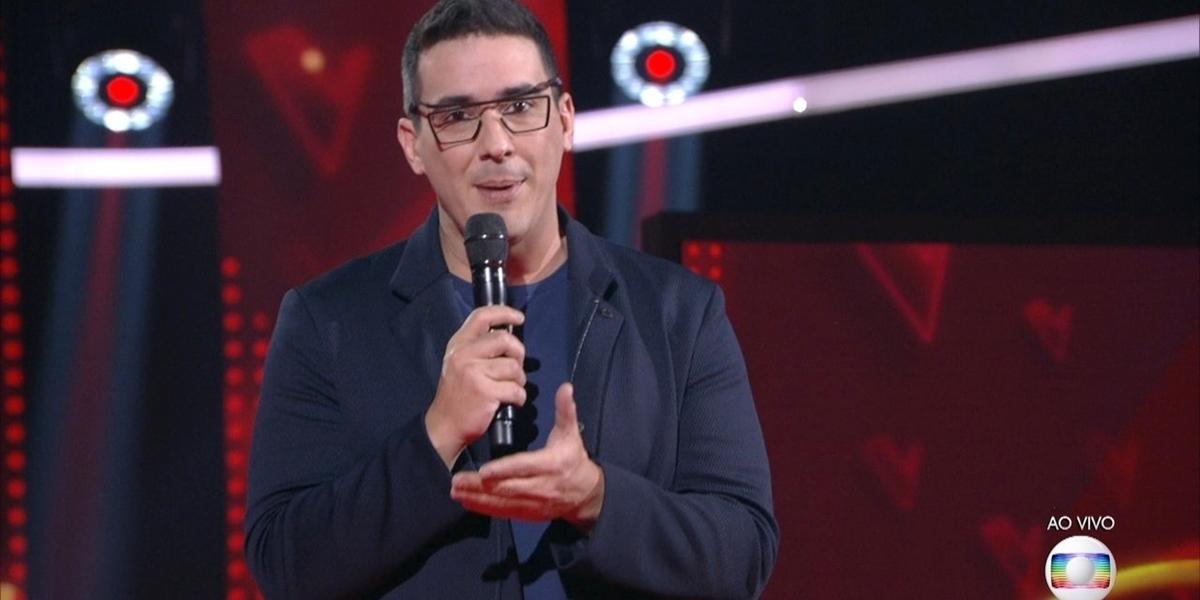 André Marques no comando do The Voice Kids, que registrou sua pior audiência (Foto: Reprodução/Globo)