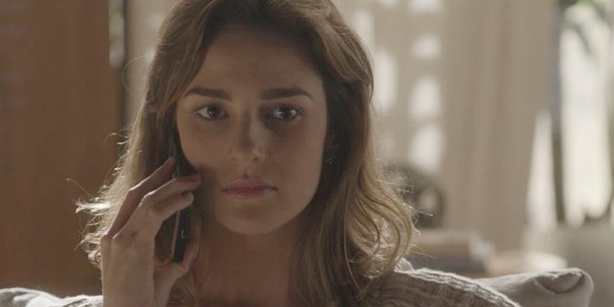 Sofia (Priscila Steinman) arma sequestro de Eliza (Marina Ruy Barbosa) em Totalmente Demais (Foto: Reprodução/Globo)
