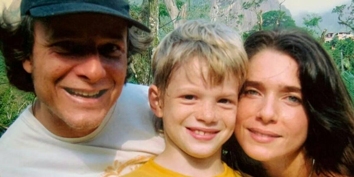 Pedro Novaes é filho do ator Marcelo Novaes com a atriz Letícia Spiller, da Rede Globo. Atriz relembrou momento junto ao ex-marido e movimentou as redes sociais . (Foto: Reprodução)