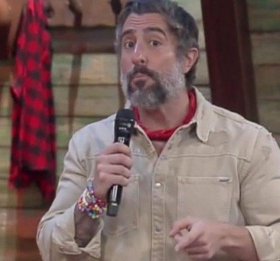 Marcos Mion invadiu A Fazenda 12 com notícia bomba (Foto: Reprodução)