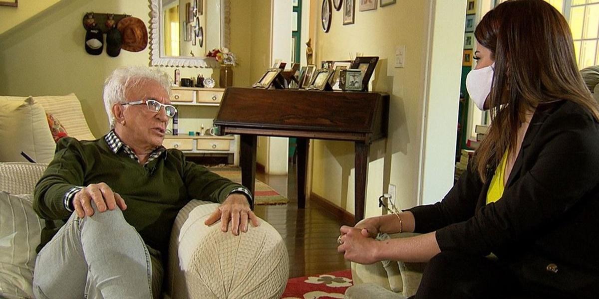 Moacyr Franco em entrevista ao Domingo Espetacular (Foto: Reprodução)
