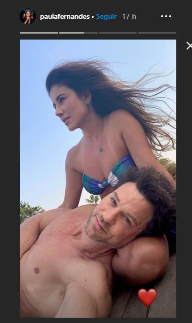 Paula Fernandes posa ao lado do namorado (Foto: Reprodução)