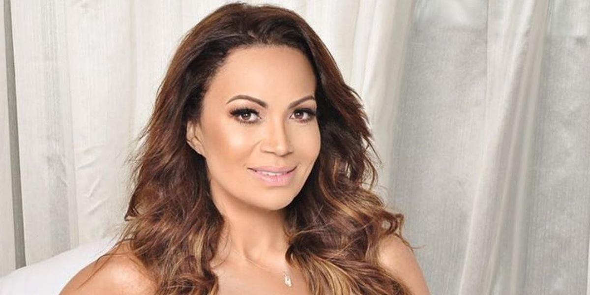 Cantora Solange Almeida revela motivo de procedimento estético para emagrecer (Foto: Reprodução/Paulo Eduardo)