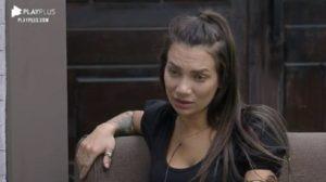 Stéfani Bays falou sobre Luiza Ambiel em A Fazenda 12 (Foto: Reprodução)