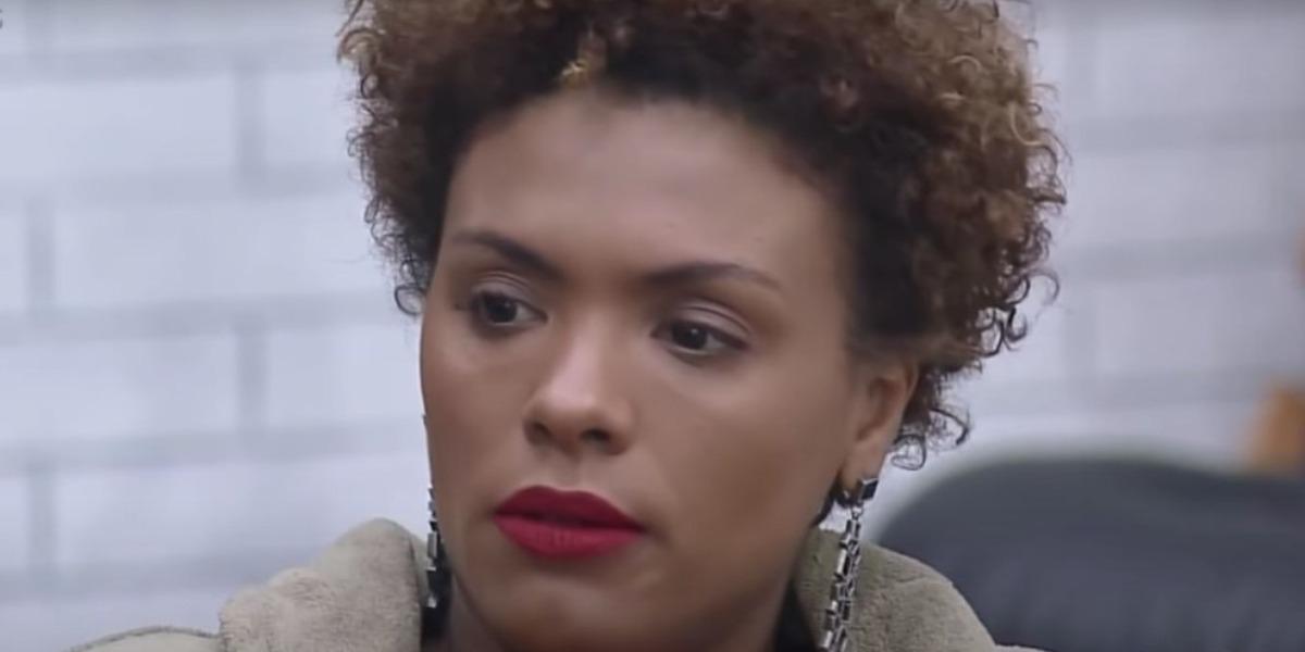 Lidi Lisboa desconfia de traição de Lipe Ribeiro em A Fazenda 12 (Foto: Reprodução)