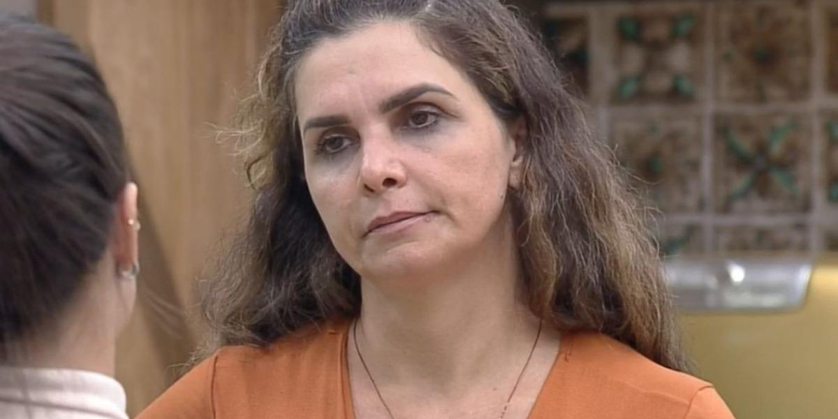Luiza Ambiel bate após ver tentativa de assédio em A Fazenda 12 (Foto: Reprodução)