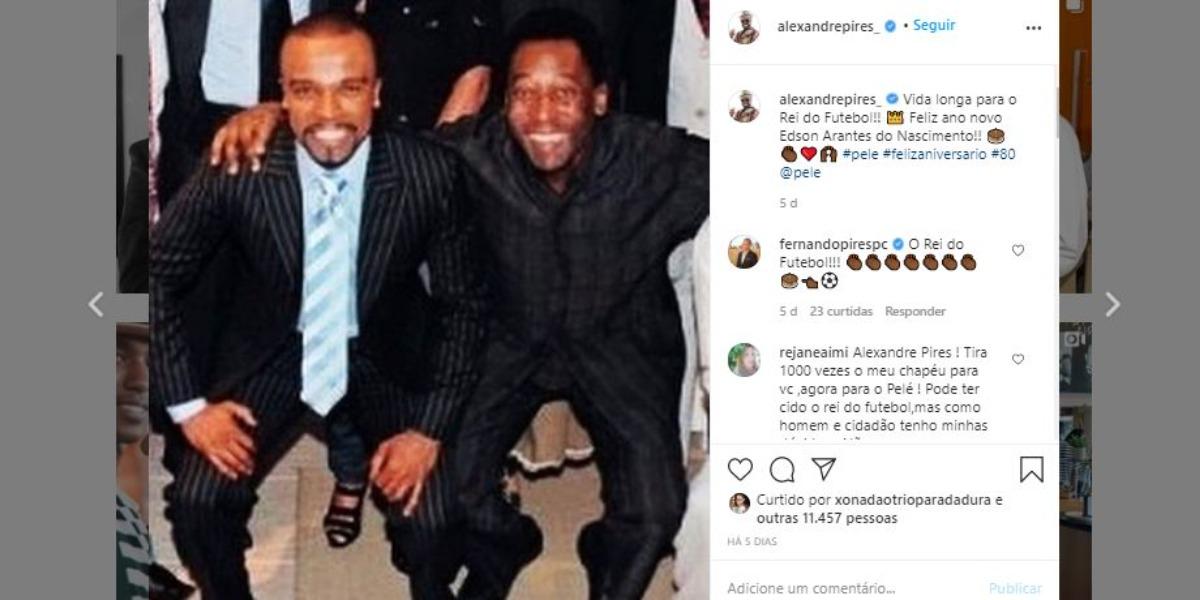 Alexandre Pires posou ao lado de Pelé (Foto: Reprodução/Instagram)
