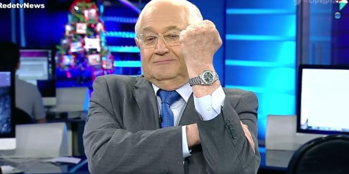 Borys Casoy em bancada do RedeTV! News (Foto: Reprodução)