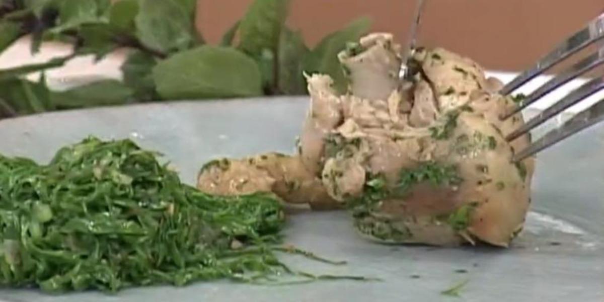 Ana Maria Braga prepara frango com couve flor no Mais Você de hoje (Foto: Reprodução)