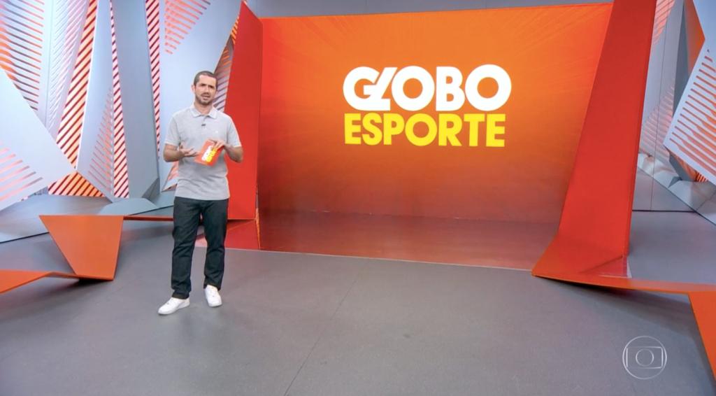 Felipe Andreoli no comando do 'Globo Esporte' (Foto: reprodução/Globo)
