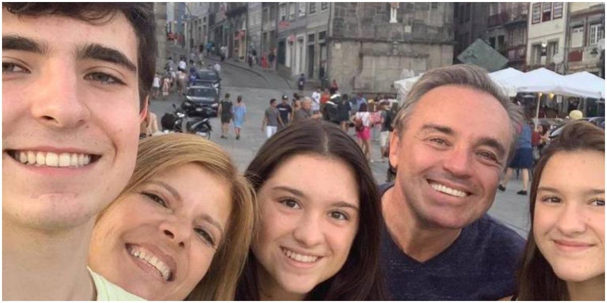 Filha de Gugu Liberato assumiu namoro (Foto: Reprodução)