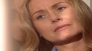 Helena chora em Laços de Família