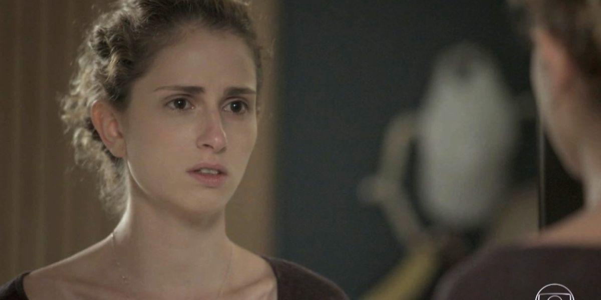 Ivana pressiona empregada com suas dúvidas em A Força do Querer