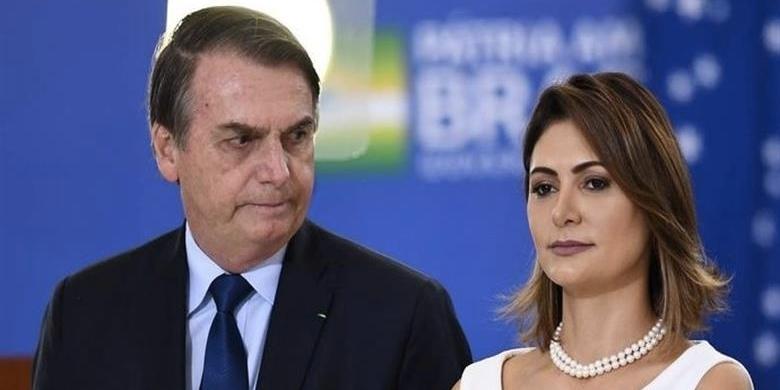 Michelle Bolsonaro foi exposta em um escândalo com o presidente (Foto: reprodução)