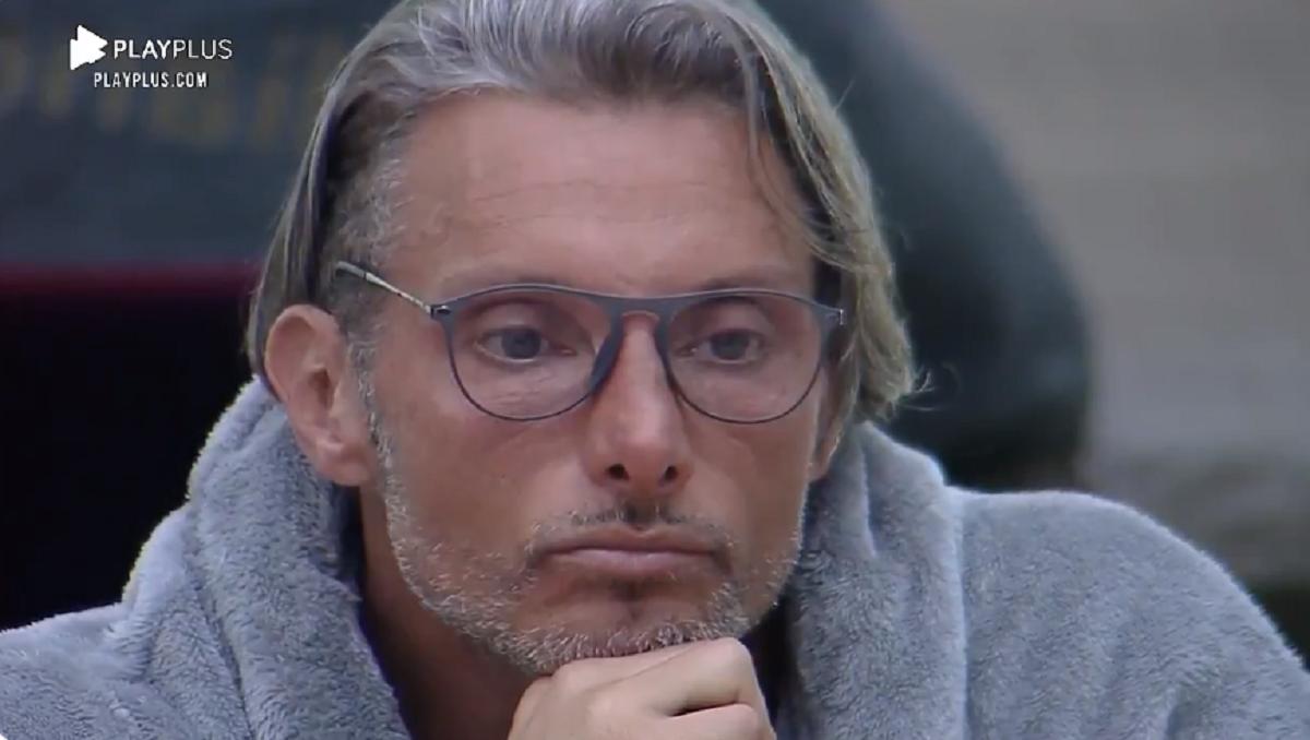 Juliano no reality show da Record TV (Foto: Reprodução) A Fazenda