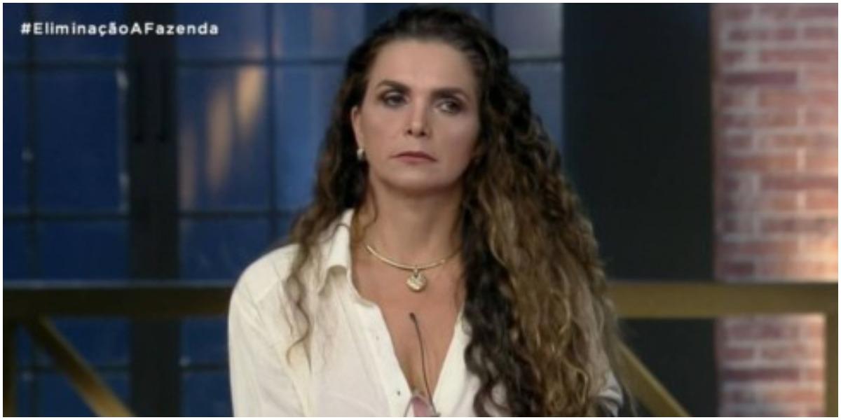 Luiza Ambiel arma plano sujo para ajudar Mirella em A Fazenda (Foto: Reprodução)