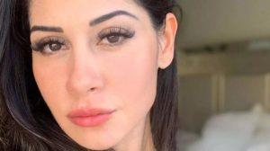 Mayra Cardi quebra à web com foto nua (Foto: Reprodução)