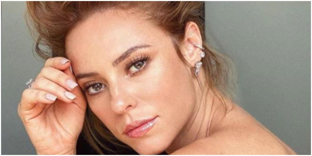 Paolla Oliveira chama atenção do público por conta de foto sexy postada nas redes sociais (Foto: Reprodução)
