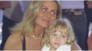 Atriz que viveu Nina em Laços de Família cresceu e se tornou um mulherão (Foto: Reprodução)