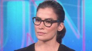 """Renata Vasconcellos no """"Jornal Nacional"""" (Foto: Reprodução/TV Globo)"""