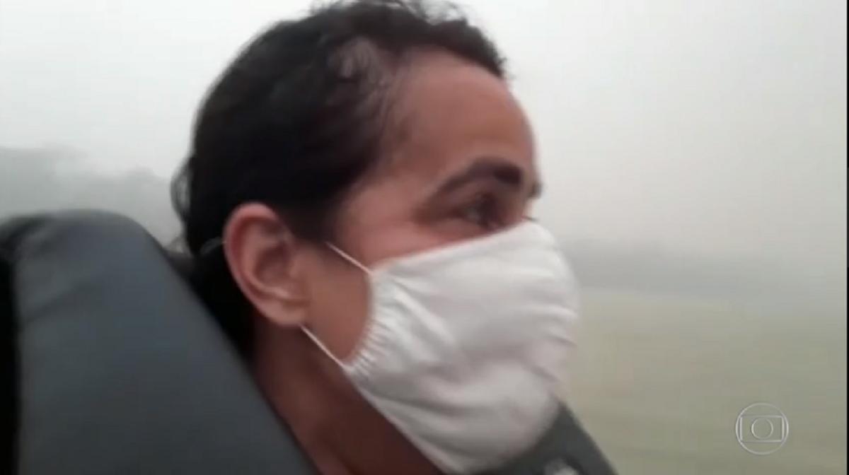 Incêndio no Pantanal atingiu reportagem ao vivo e repórter teve que sair vazada do local antes que o fogo e a fumaça a atingisse (Foto: Reprodução)