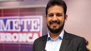 Romano dos Anjos é apresentador da Record TV (Foto: Divulgação)