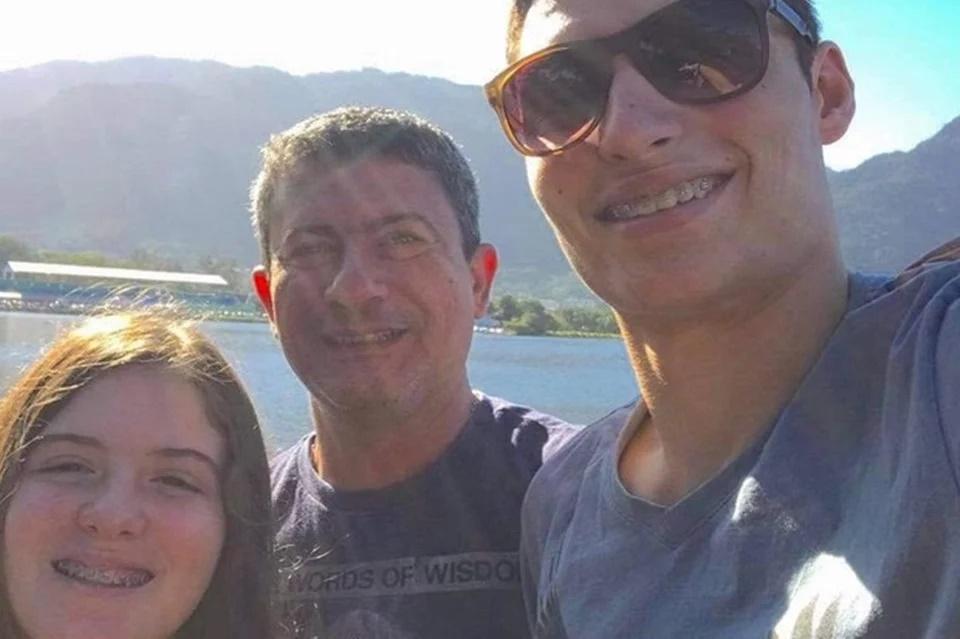 Tom Veiga ao lado dos filhos Alissa e Adrian Veiga (Foto: Reprodução)