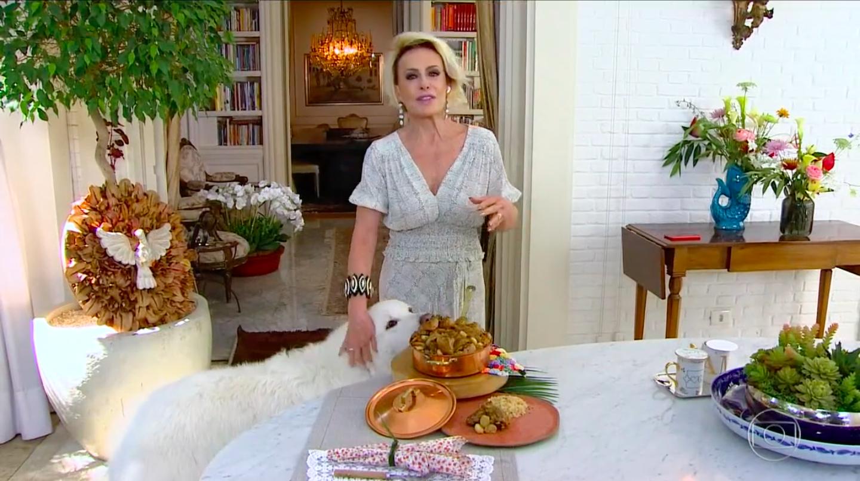 Peppa lambe prato de Ana Maria Braga (Reprodução)