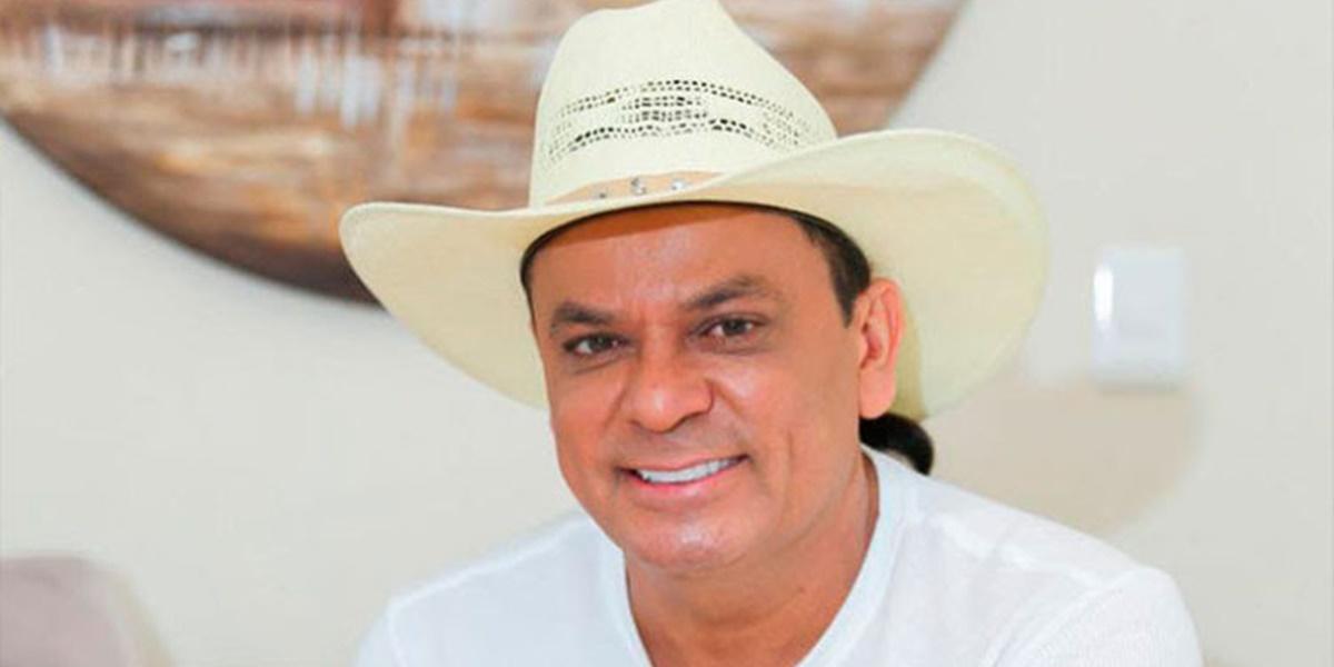 Frank Aguiar mudou nome artístico para Frank Aguiar (Foto: Reprodução)