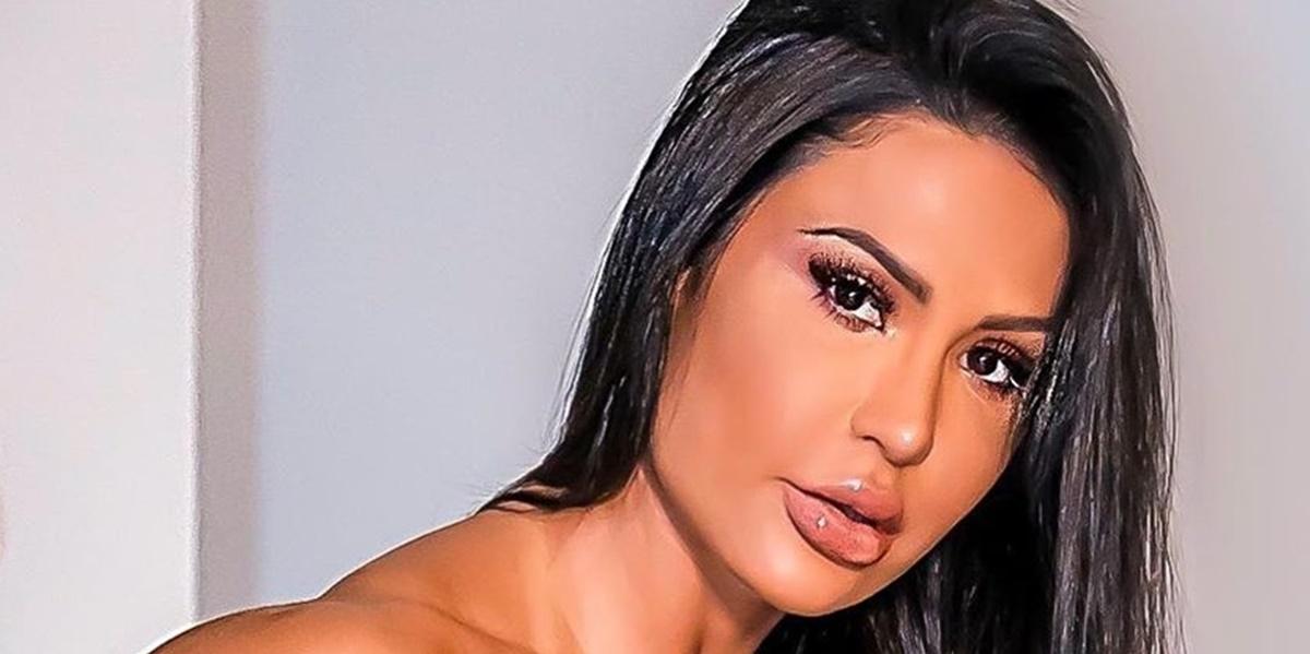 Gracyanne Barbosa deixou parte íntima vazar em vídeo (Foto: Reprodução)