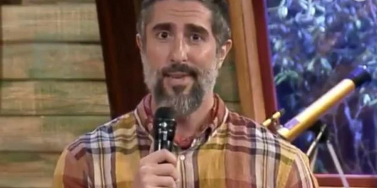 Marcos Mion teve que se retratar após erro em A Fazenda 12 (Foto: Reprodução)